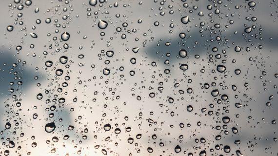 5 padomi, lai izzustu kondensāts uz logiem