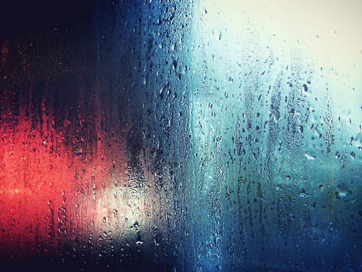 Pakešu logi un kondensāts