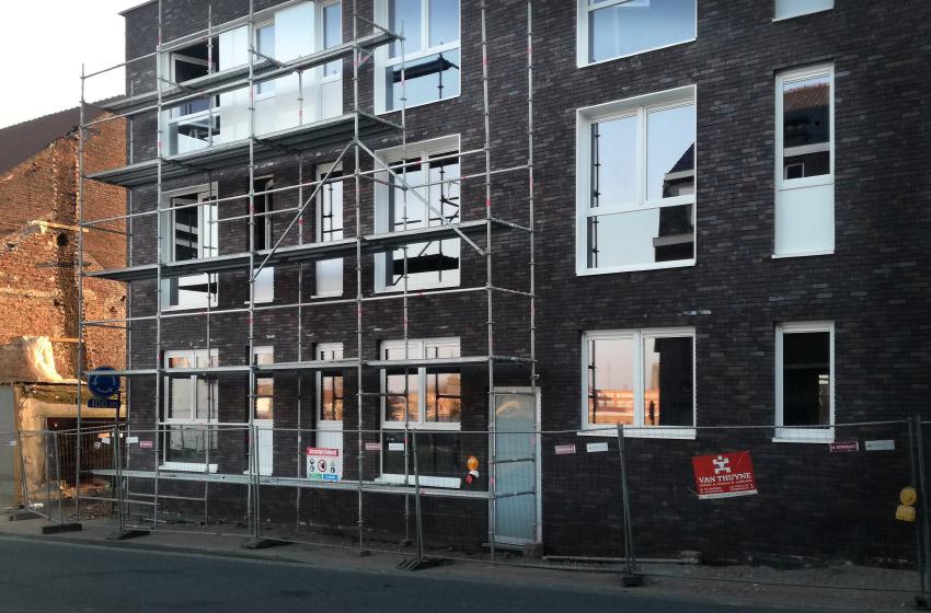 Dzīvojamās ēkas Beļģijā. PVC logi Aluplast 4000, SchucoCT70, Aluminija konstrukcijas Reynaers CS77